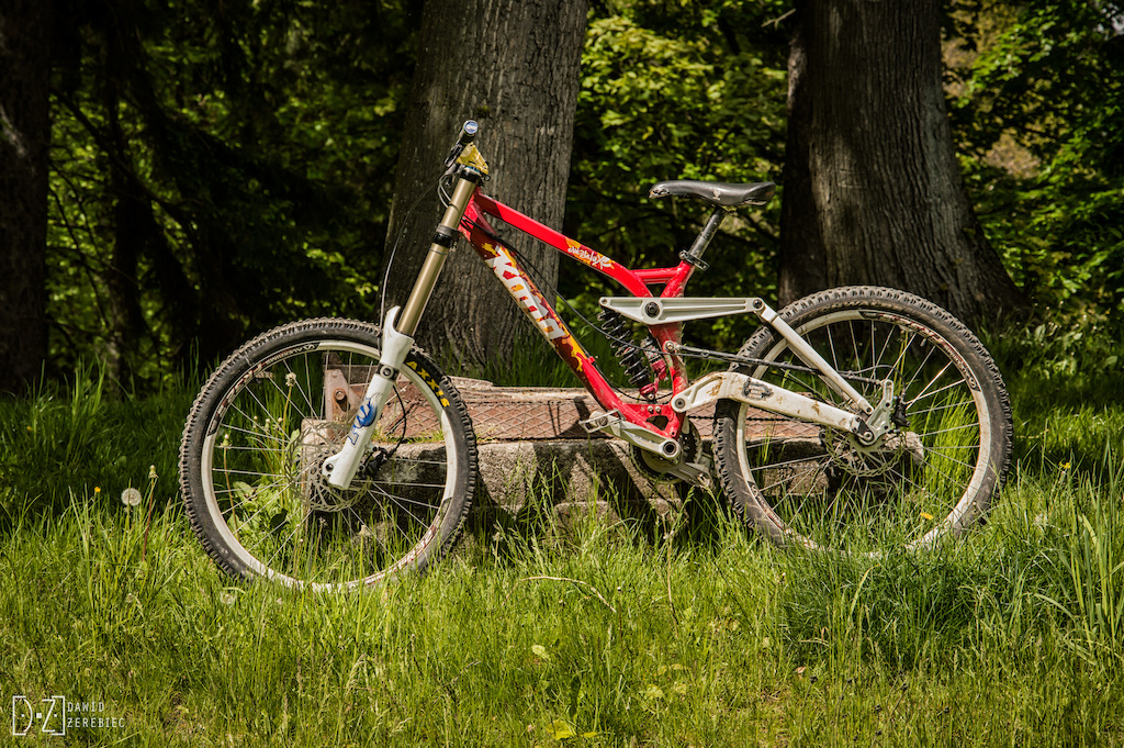 My current bike Stab 2009 with 40's RC2 2010 and Roco WC damper :v  DŻ Photos