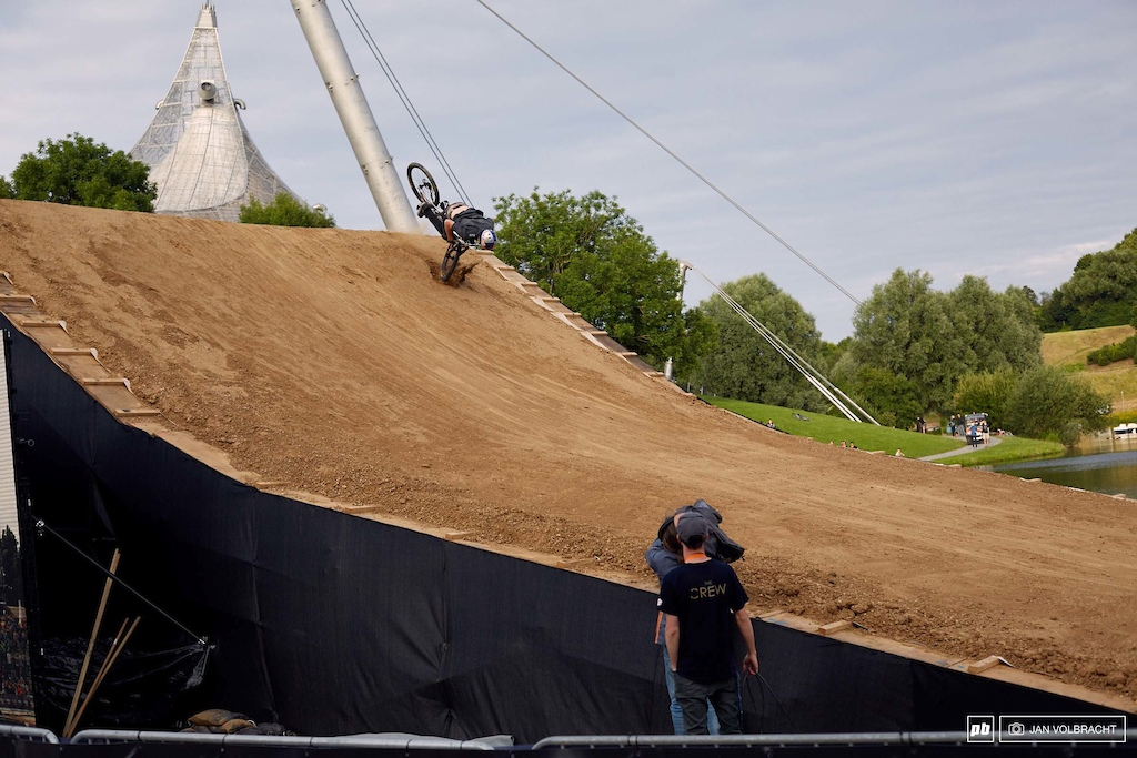 Not quite the day of Thomas Genon. Crashing in both runs here in Munich.