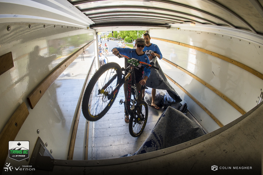 Loading up to giddy up. By the end of the evening before the start of racing 3 U Hauls were racked and packed with two wheeled enduro goodness of all kinds everything from 26 inch bikes that their owners love too much to give up to Alex Petidemange s almost released prototype Niner.