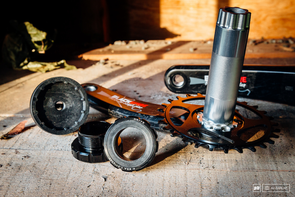 The supplied bottom bracket required a separate tool, which Blackspire provided
