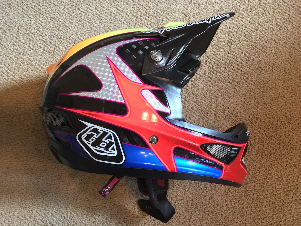 TLD D3 Carbon helmet, size small. Aaron Gwin edition.