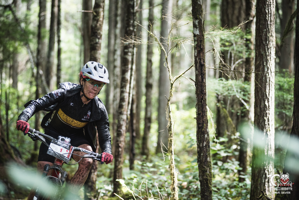 Kelli Emmett the women s leader knows her way around the trails but a broken chain in the last 7 km almost put a big question mark on her overall.