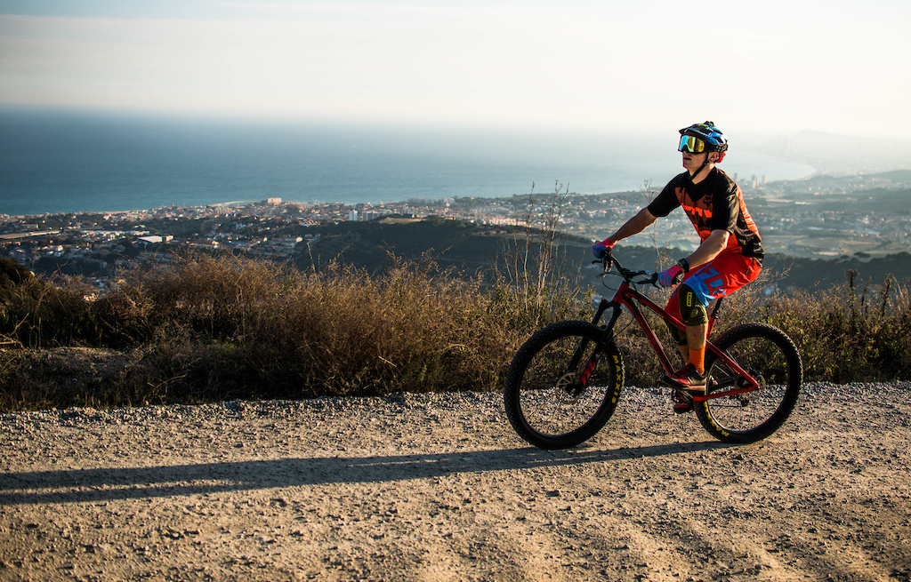 Trails above Premia de Dalt were a perfect place for testing how much fun there can be from riding a trail hardtail with 27.5+ wheels.