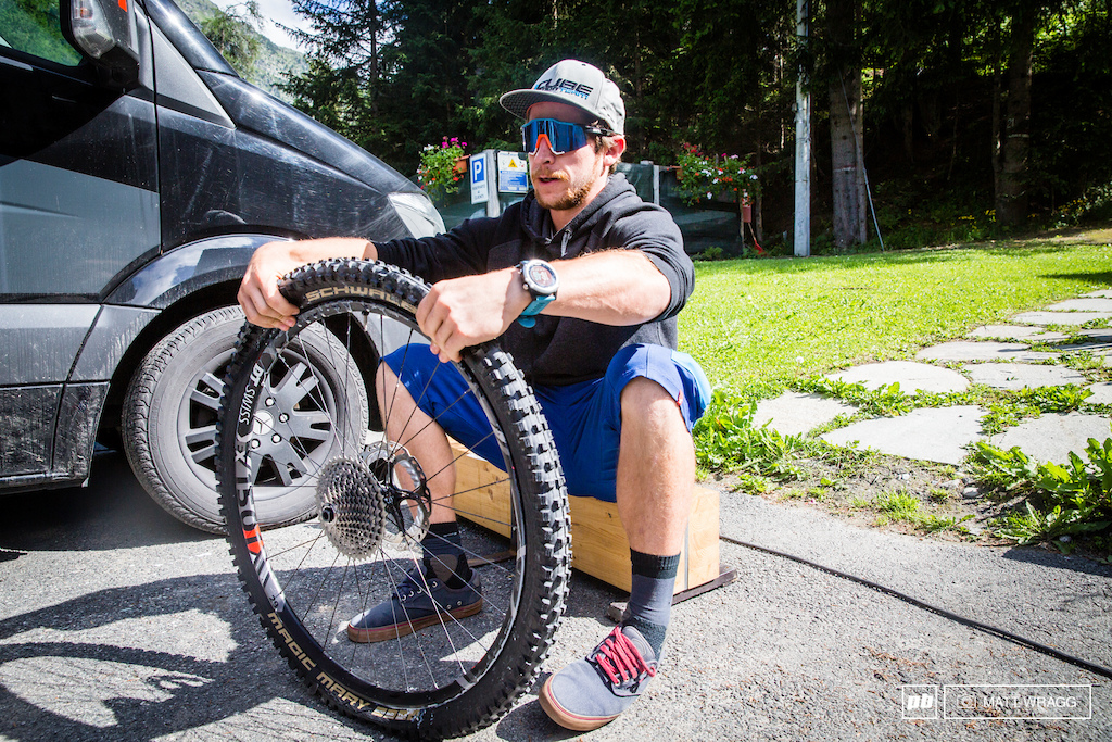 After winning Trans-Provence on his 29 Stereo 140 and Greg Callaghan won the last EWS round on one Nico Lau is sticking with the big wheels again this weekend.