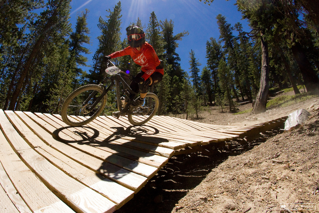 Porsha Murdock makes the trip to Mammoth from Oregon, and for good reasons. Murdock rides into 2nd place for the day.