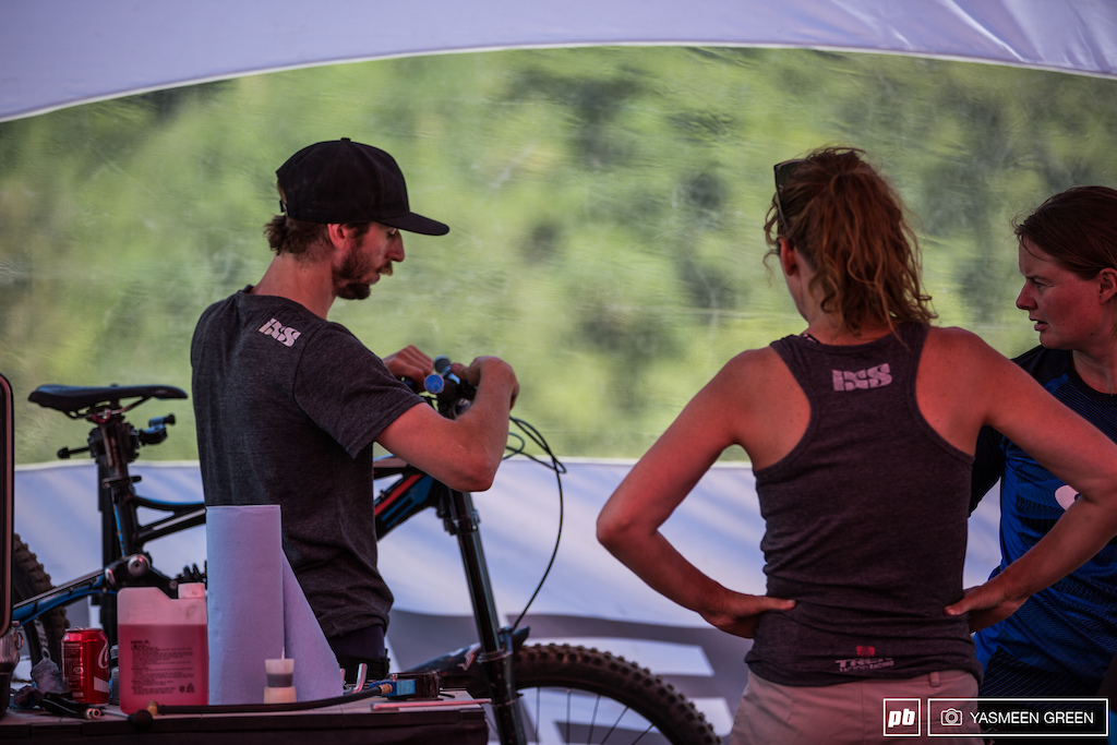Throughout the day riders were able to talk to Trek Factory Racing mechanics about set up mechanical issues and how they may affect their riding and comfort on the bike.