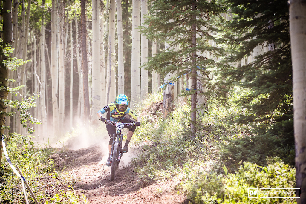 Anneke Beerten started well this morning, but lost time on the long third stage. With the tracks taking a turn for the bike park tomorrow, expect to see her pushing hard to get back on the podium this weekend.