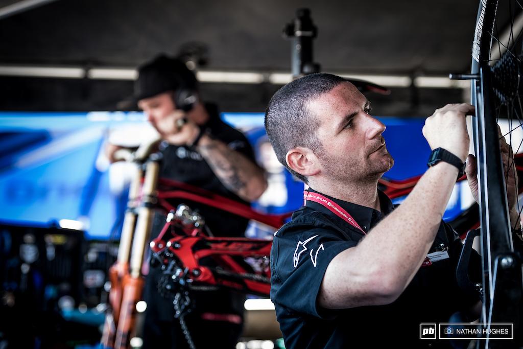 Ben Arnott on the morning wheel build for Angel Suarez Alonzo.