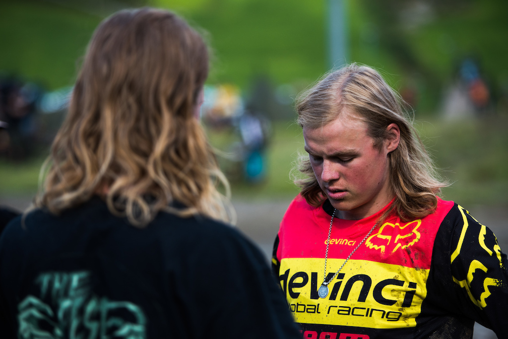 Makken checking in with the free racer.