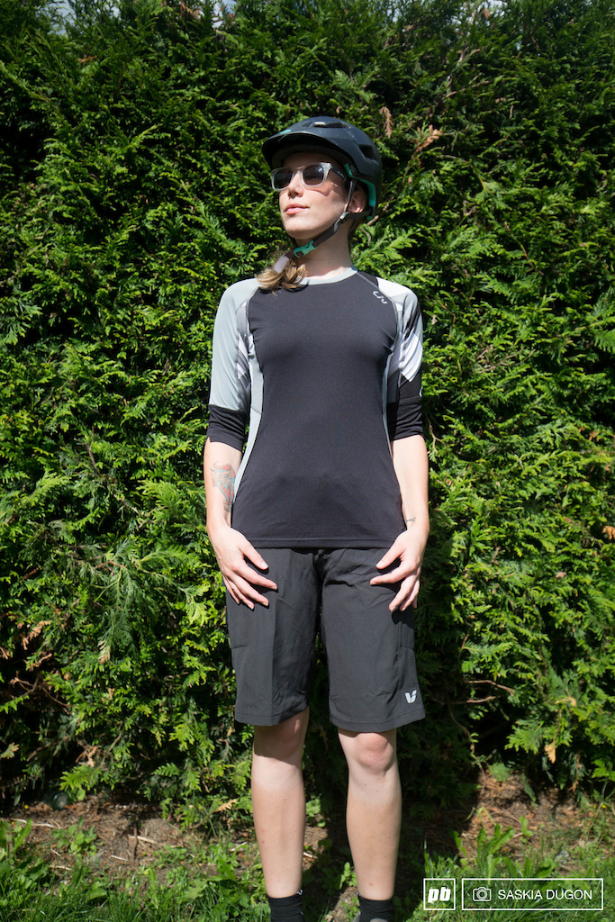 Liv Charm Off Road Jersey/ Passo Short