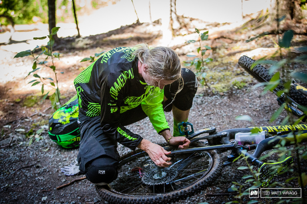 Cecile Ravanel punctured on both stages one and two - word is that her rim was some damaged that she had to beat it back into shape with a rock to keep her going until she could get to the tech area.