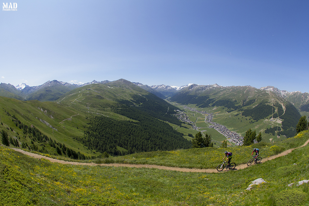 Singletracks, bike parks, pizza and serious ping-pong challenges during our trip to Livigno in July, with Monkeymtb.