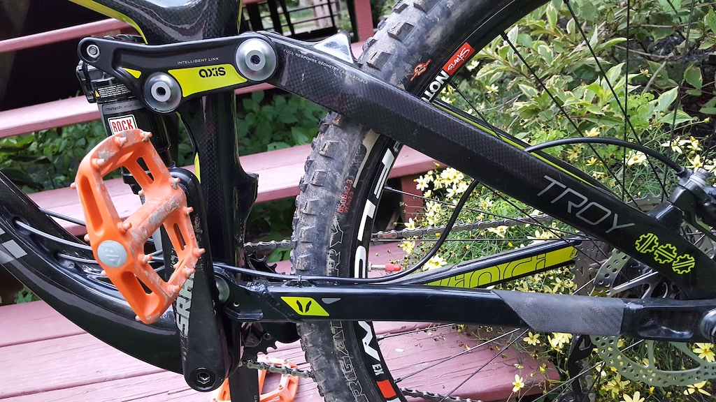 2015 Devinci Troy Carbon