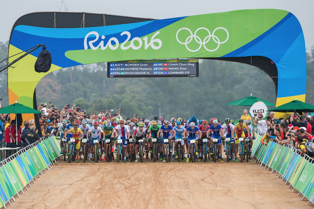 49 riders from 32 countries on the start line of the Olympic XCO race