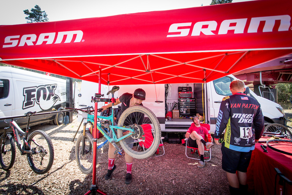 SRAM tech support checks out a racers bike at the end of day 1. SRAM not only does racer support for the series they also donated a set of Guide Brakes for giveaway at each race round.