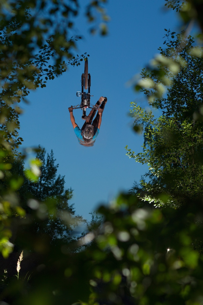 Flip no foot can from July. Big thanks to Lars Scharl for the pic!