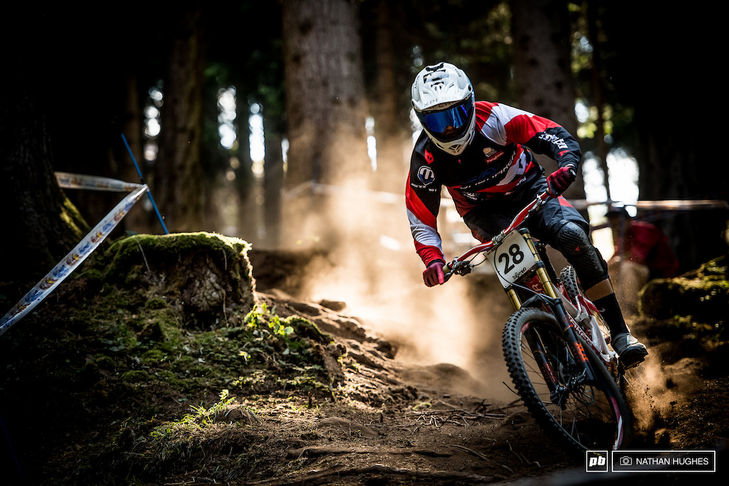 Markus Pekoll on the attack for team Austria through some super dry VDS loam.