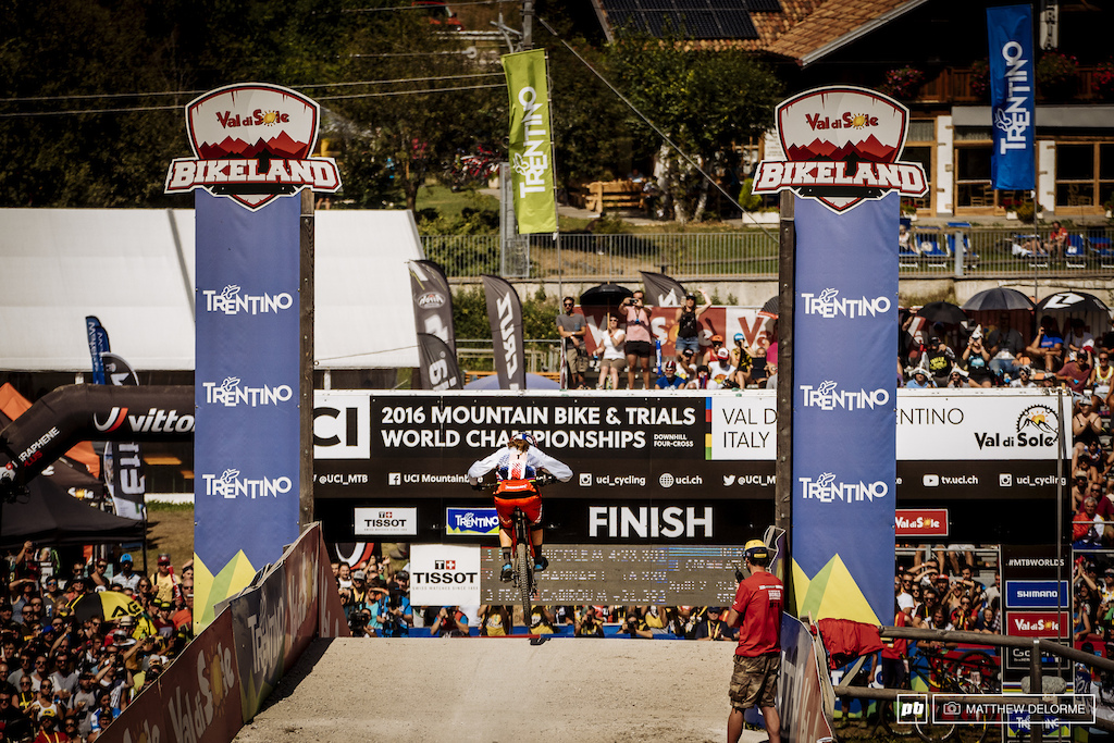 Rachel Atherton wraps up a prefect season with a perfect World Champs run.