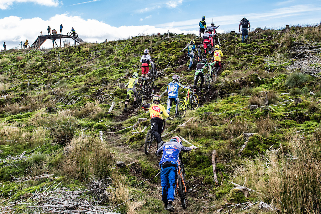 Once out the uplift, the riders have a short uphill push to reach the starting platform.
