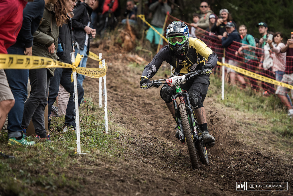 Sam Hill aiming for the inside of the final corner en route to his first ever EWS overall win.