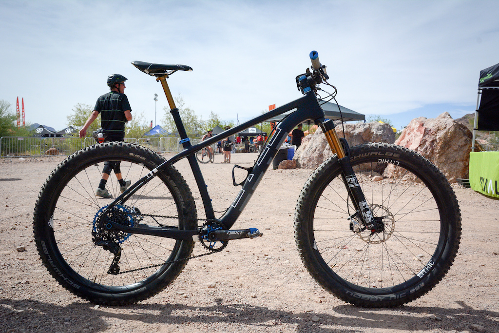 Wolf Tooth Components branched out into the bike brand business just last month with the launch of Otso Cycles. Their 27.5-plus 29-plus or fat bike convertible hard tail Voytek was on display at the demo decked out in a