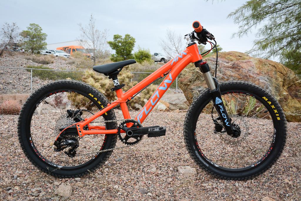 68be9a5011a Flow Convertible Kids Bike - Interbike 2016 - Pinkbike