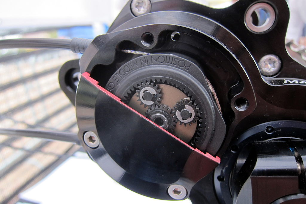 Pinion gear transmission