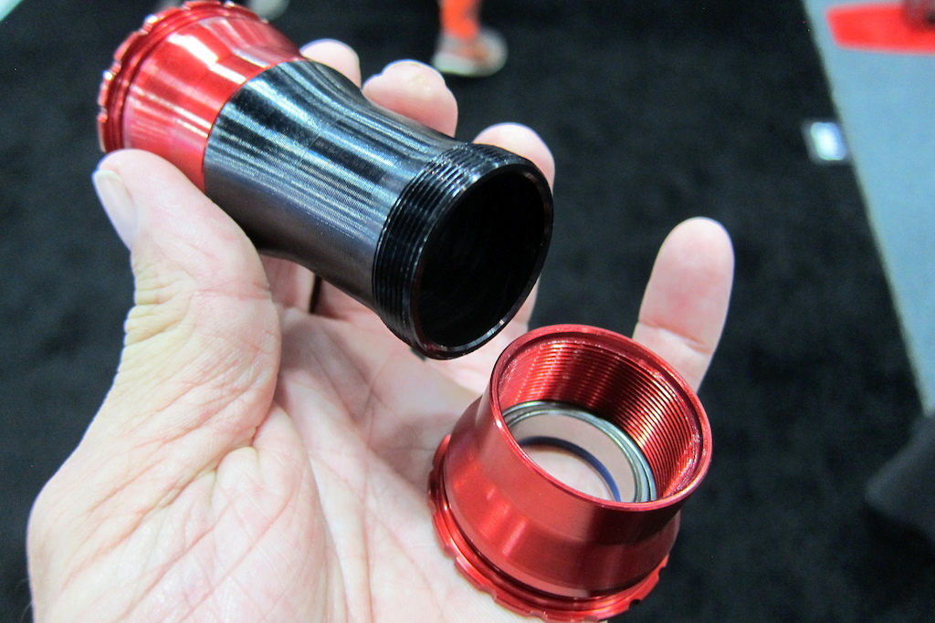 Enduro locking BB for pres-fit applications
