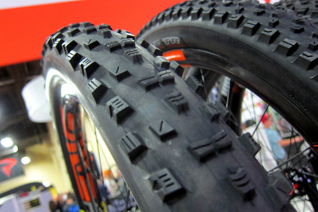 maxxis Forekaster 2.6 tire