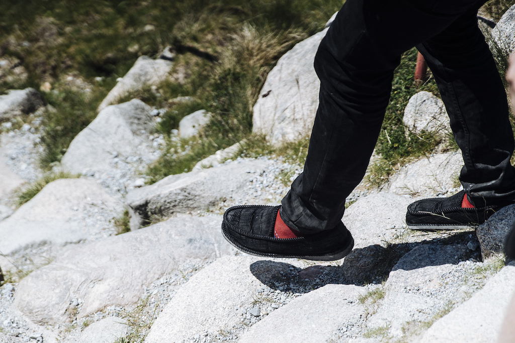 Eliot s slippers on the Fort William track. Photo Duncan Philpott