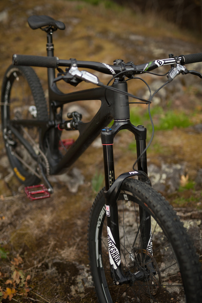2015 XL Black Santa Cruz Nomad w/ SRAM/Rockshox Build