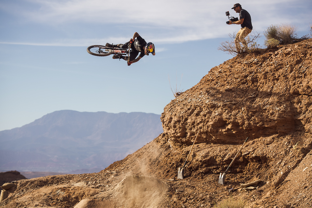 Andreu Lacondeguy blasting a 450 off his hip before dropping off the side of the mountain. Justin Olson GTS.