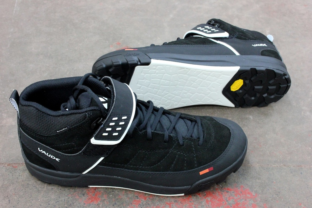 Check Out November - Vaude Moab Mid STX AM Shoes