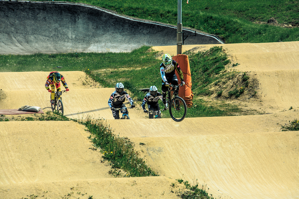 3 local BMX riders arrange under themselves - Photograher Florian G rtner - Canonite.ch