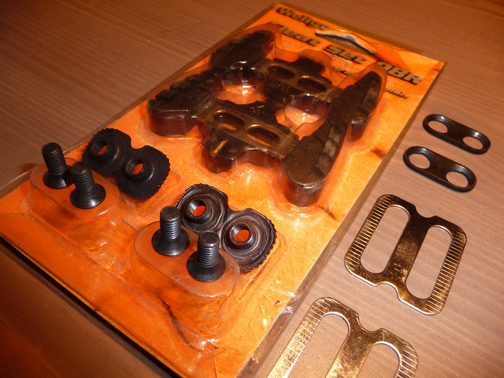 Cleat Set 98R CADS15.00 + shipping