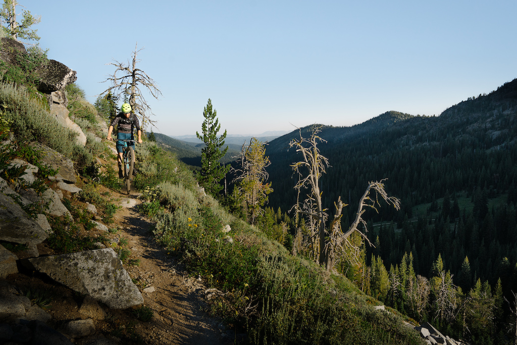 Images for Our Land Traversing Oregon article.