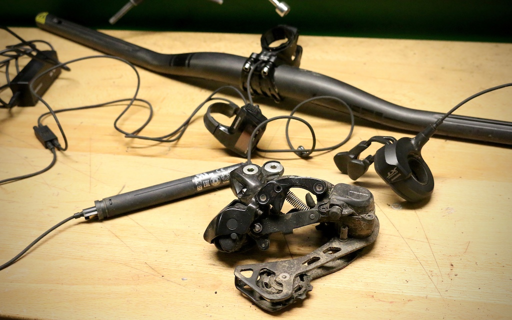 Shimano XT Di2 - Double Header Review - Pinkbike on shimano bike diagram, shimano electronic shifting diagram, fulcrum diagram, shimano cranksets diagram, bb30 diagram, shimano ultegra diagram, shimano disc brakes diagram, bottom bracket diagram,