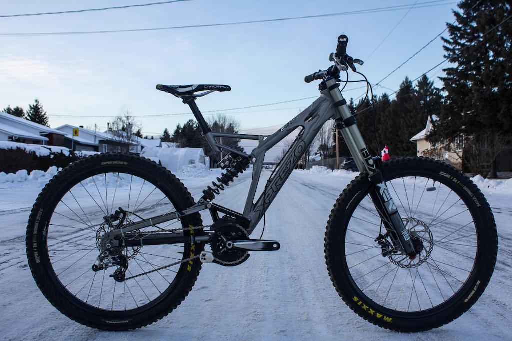 2011 Xprezo Furax - True downhill bike at entry level price