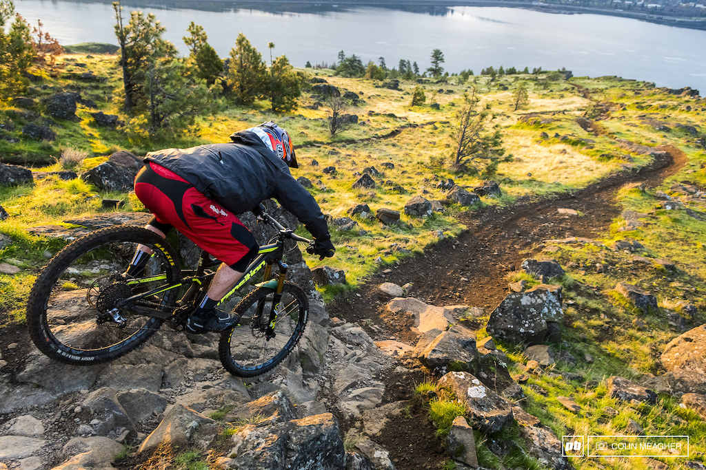 Riding the Syncline outside of Bingen, WA