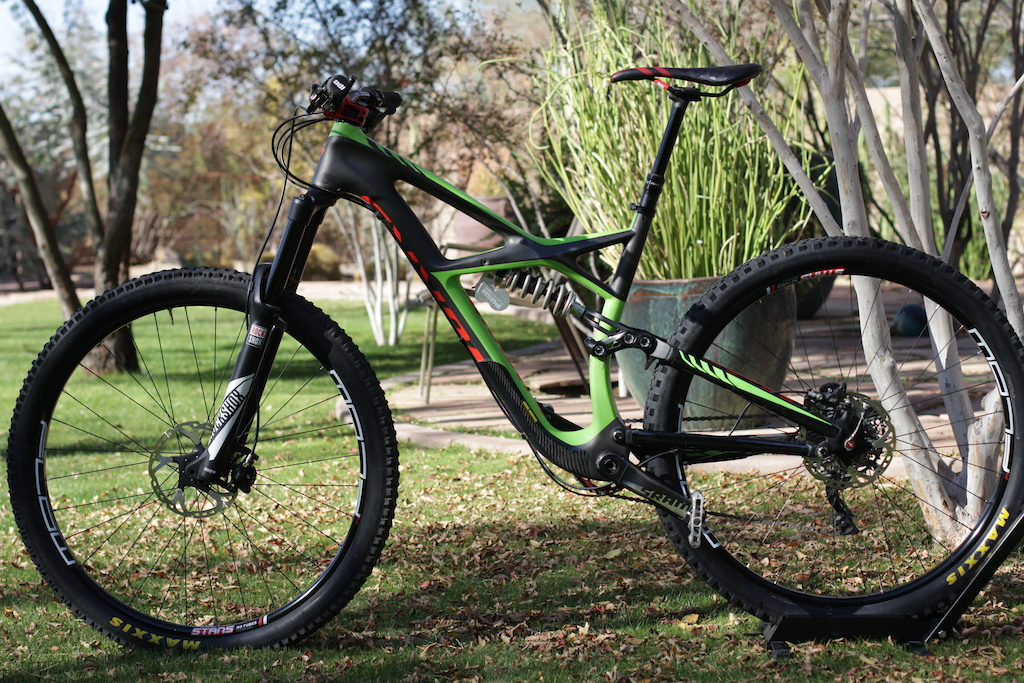 2016 Specialized Enduro S-works eleven six and lyrik