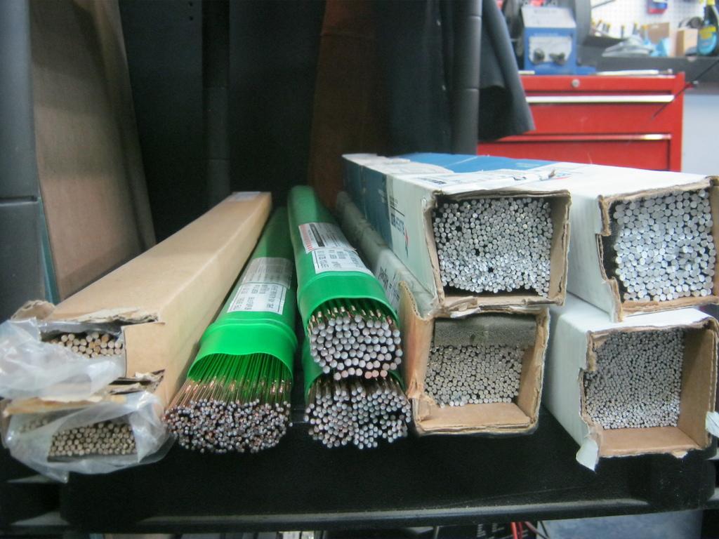 "ERCuSi-A silicon bronze 1/8"", 3/32"" ER70S-2 steel 1/8"", 3/32"", 1/16"" 4043 aluminium 1/8"", 3/32"", 1/16"""