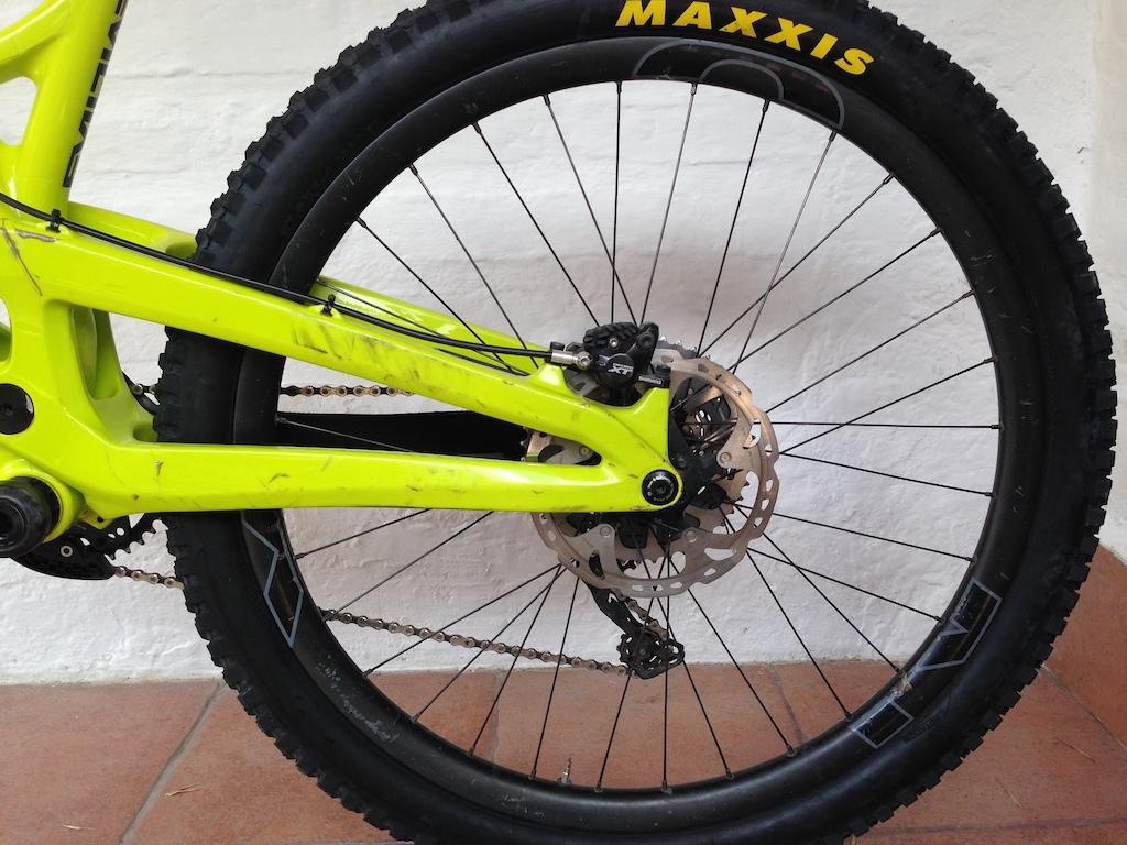 2016 NOX Composites / Chris King carbon wheels