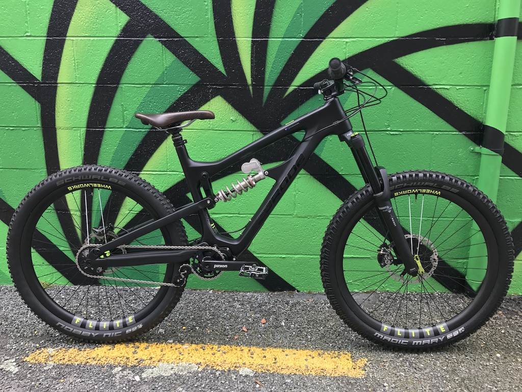 Dan s Zerode Taniwha Wheelworks FLITE wide carbon wheels Push elevensix shock Nomad tune DVO Diamond Boost 170mm fork Onyx racing hubs Renthal fatbar Carbon bars
