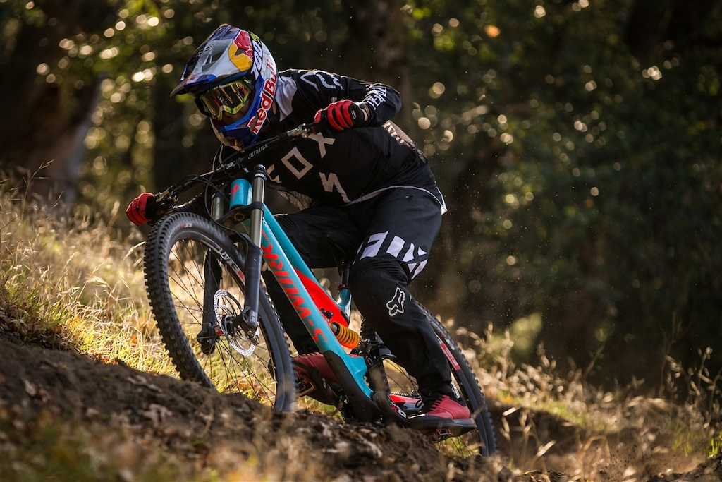Specialized Gravity 2017 team announcement