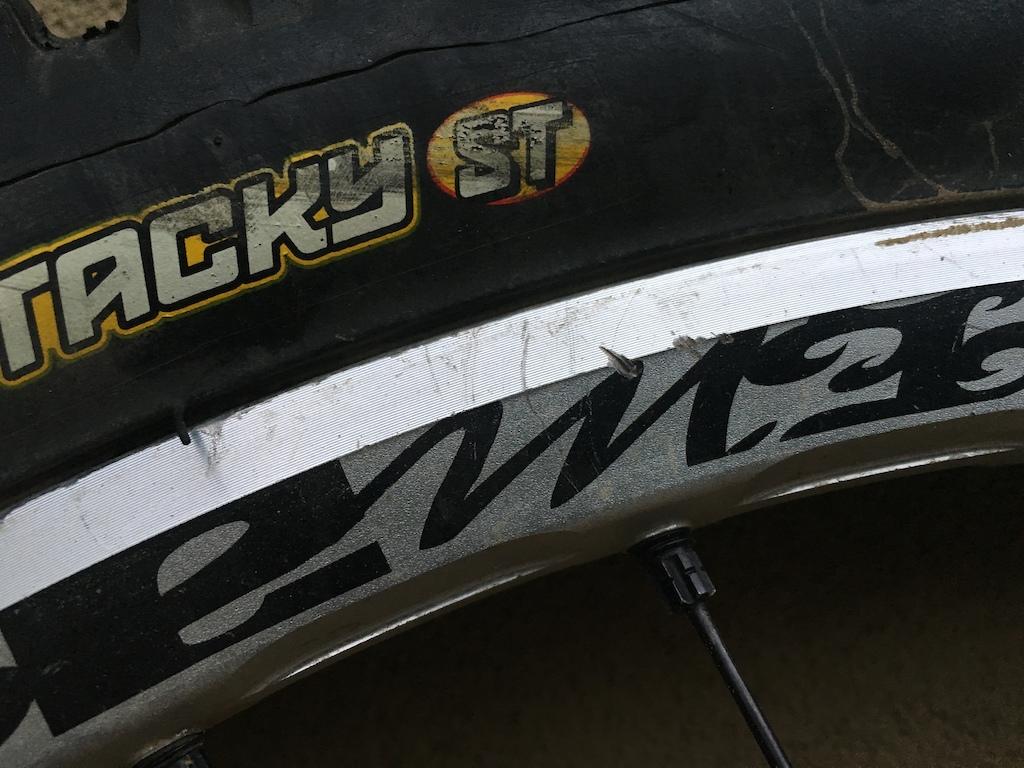 0 Mavic Deemax - Broken Rear Axle - Free Shipping