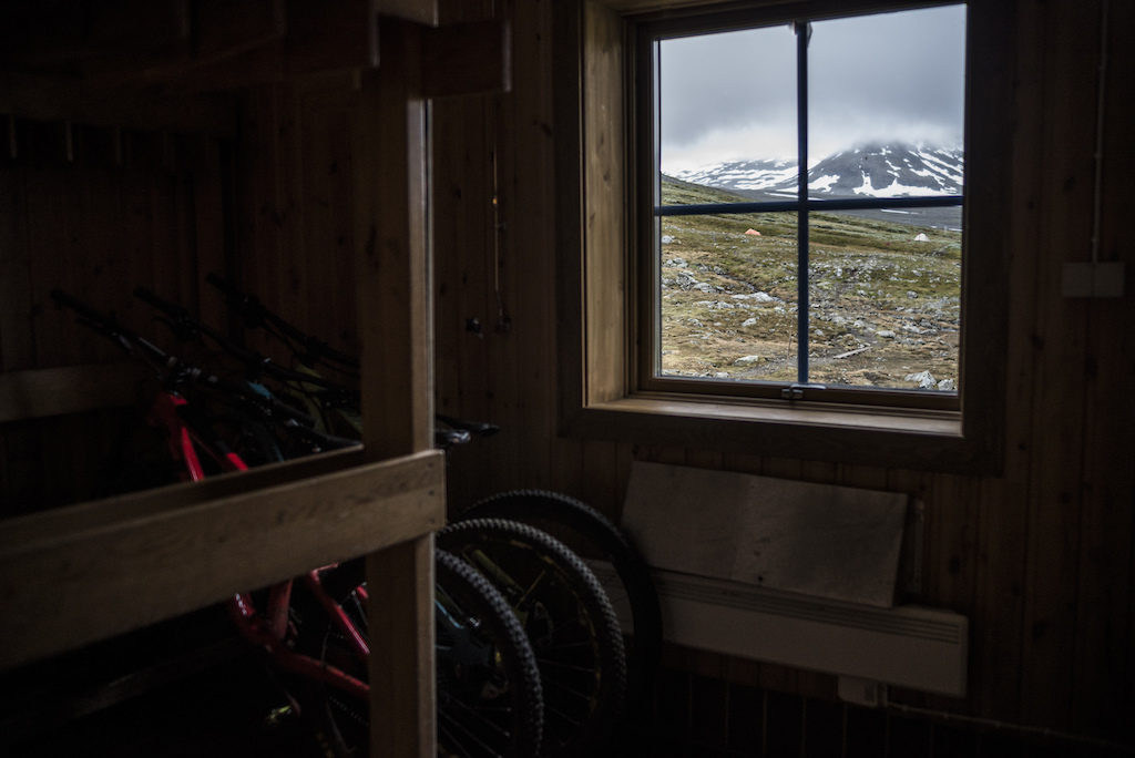 Overnight in the Sylarna hut.