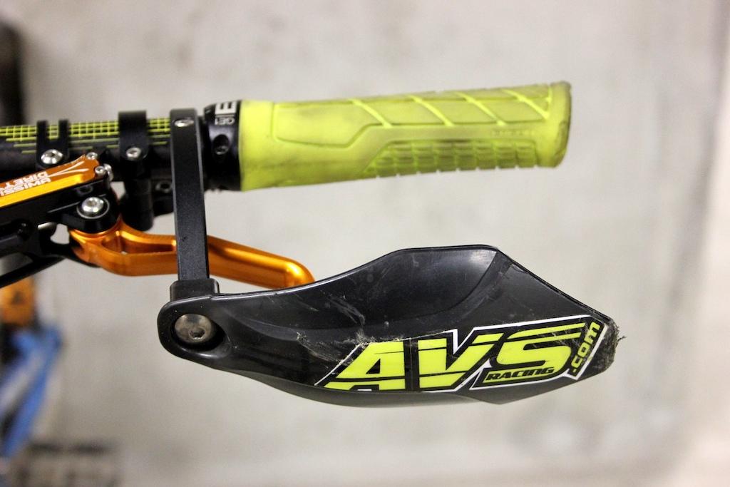 AVS Racing handguards - Review