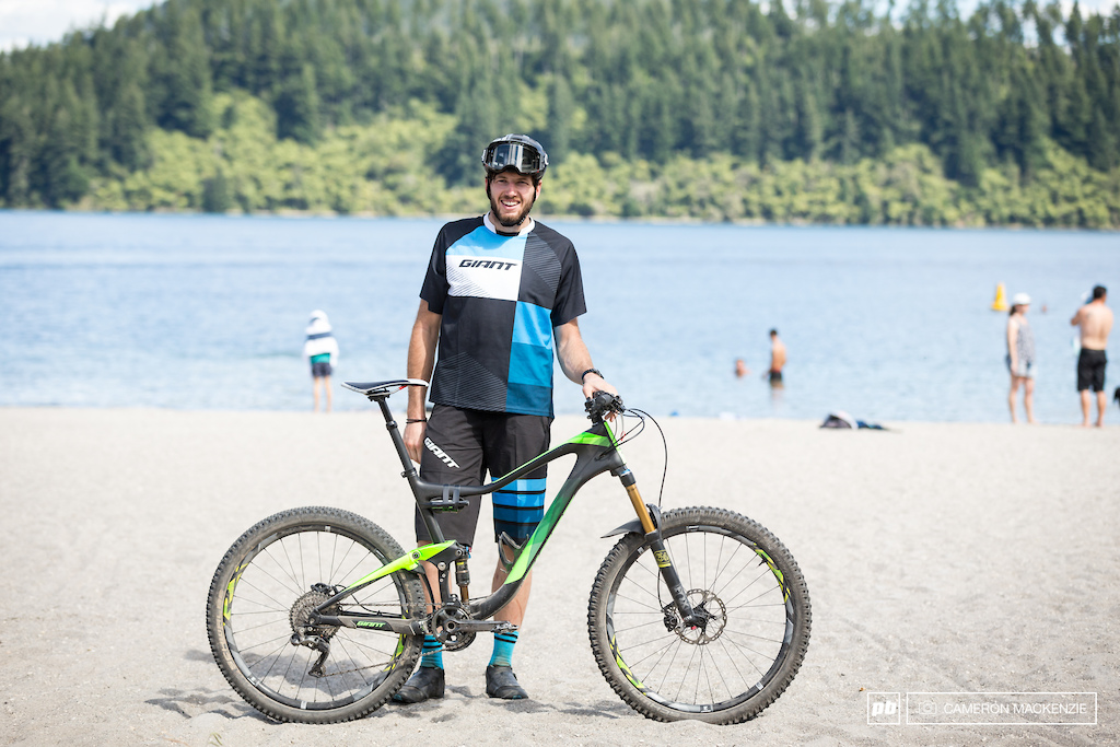 Paul VDP and his XTR Di2 equipped Giant Trance