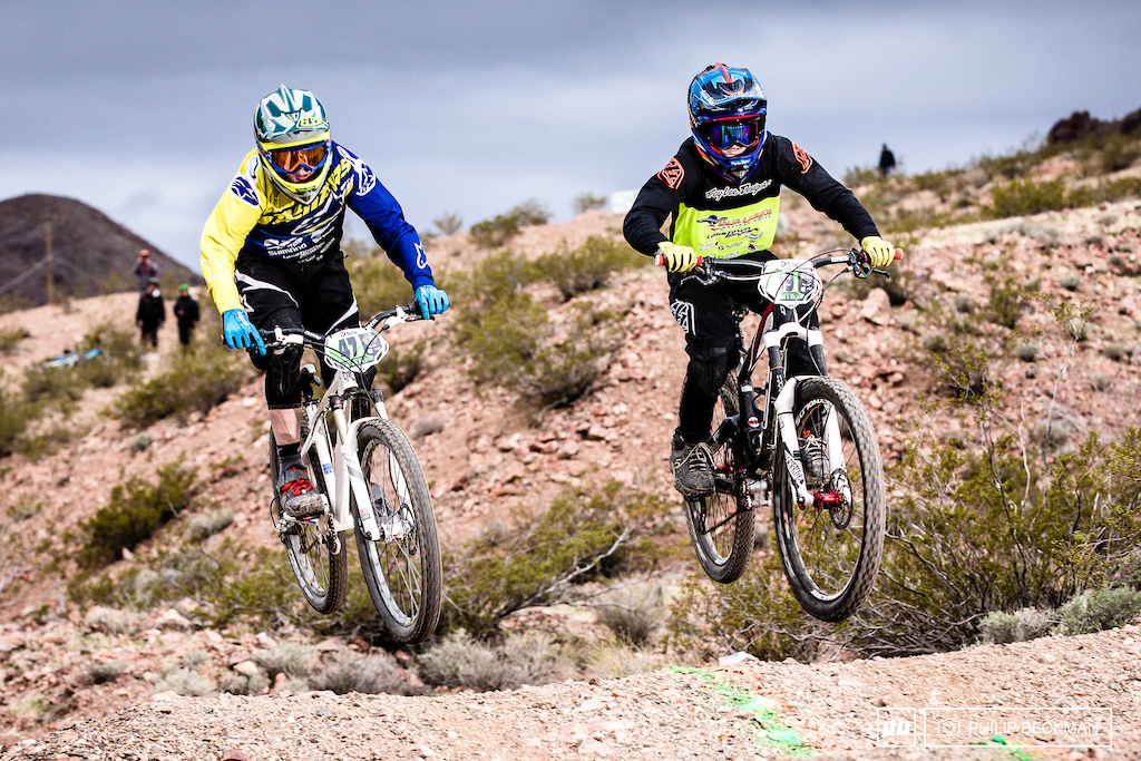 The Draper Utah duo of Carson Spencer 47 LakeTown GT and Pete Gates LakeTown squared off in the Junior Men s Dual Slalom. Carson got the nod.