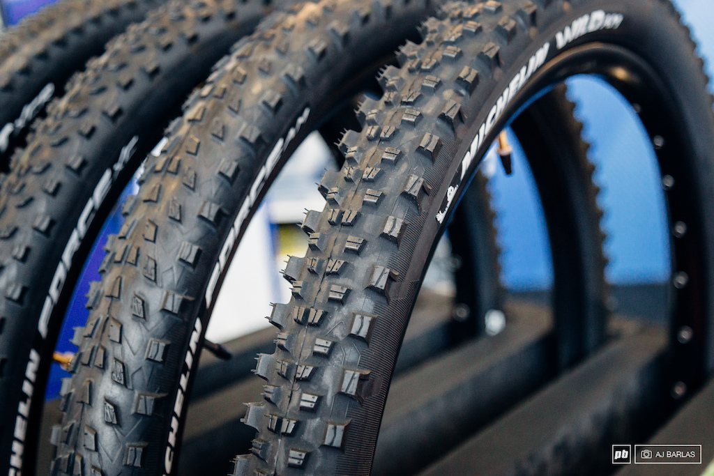 Michelin s Wild AM tire features updated compounds but the idea is similar to their current Gum and Magi-X compounds. The casing is said to be a completely new one for this category in the Michelin line for this category tire.
